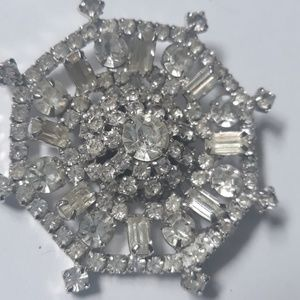 50s Glam Girl vintage Diamond look brooch pin